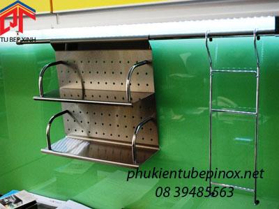 Kệ treo gia vị 2 tầng Inox dùng cho tủ bếp